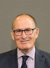 Profile image for Councillor Ian Houlder